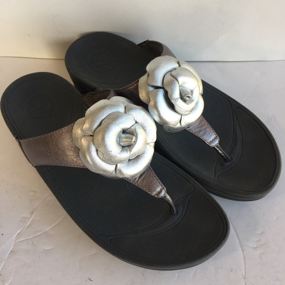 9c94bc6ed8fb05 Fitflop Shoes - Fitflop leather flower sandals 7